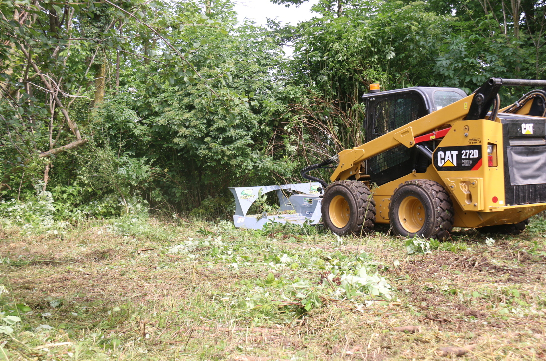 Land clearing with Baumalight rotary cutter
