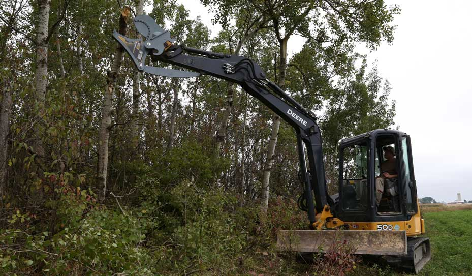 IXV508 mini excavator Baumalight limb shear