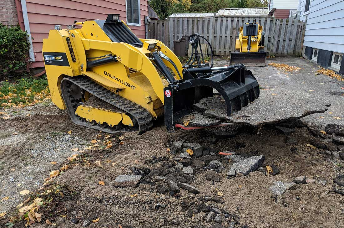 Baumalight mini skidsteer with grabble
