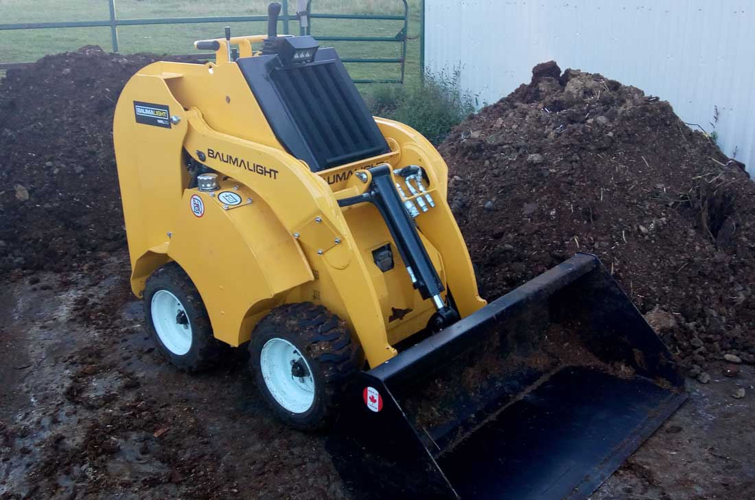 mini tool handler with manure bucket