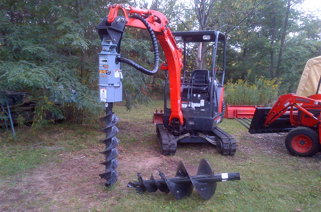 Baumalight auger drive on mini excavator