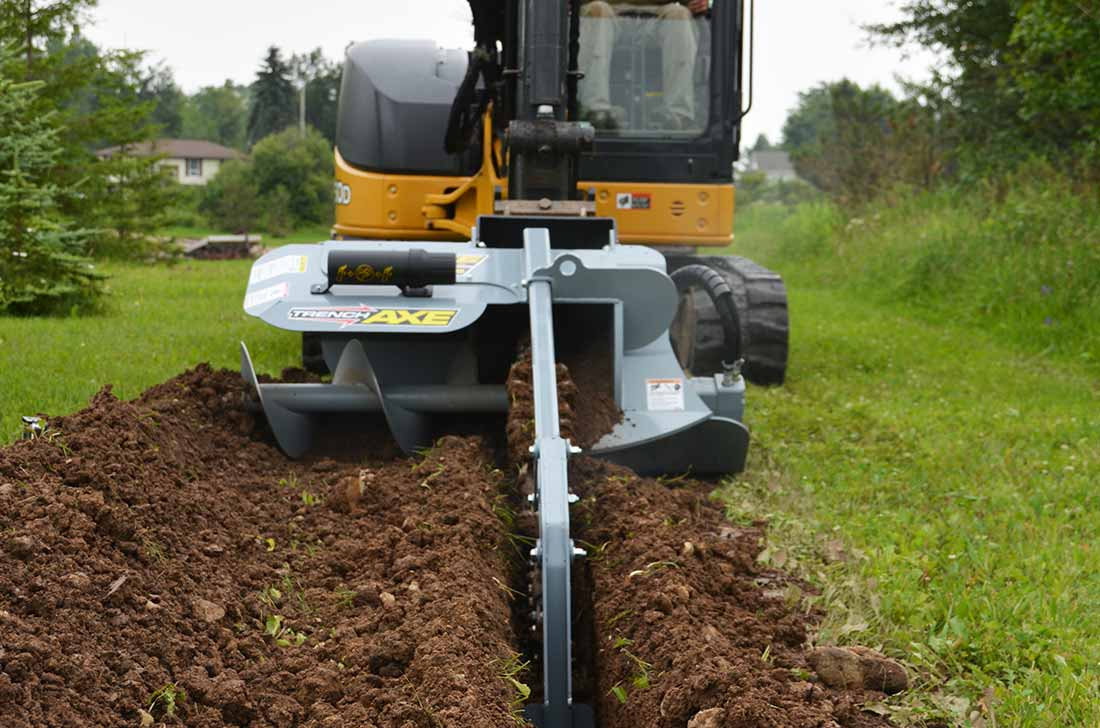 Side auger for keeping away dirt from trencher